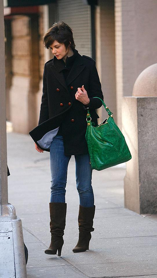 """Katie Holmes definitely dropped a lot of green on her Balenciaga bag - $1,245 plus tax to be exact! <a href=""""http://www.infdaily.com"""" target=""""new"""">INFDaily.com</a> - December 22, 2008"""