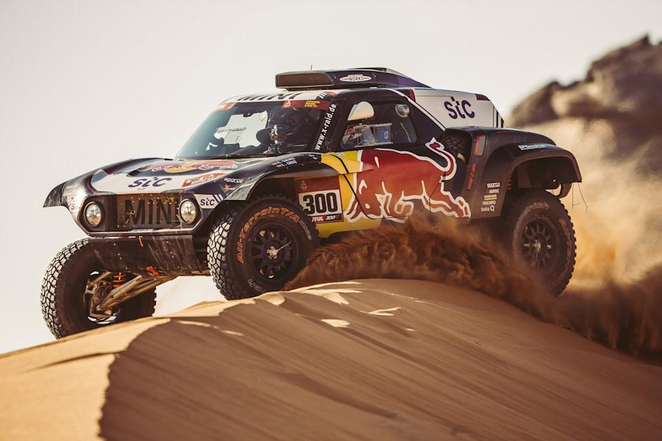 "#300 X-Raid Mini JCW Team: Carlos Sainz, Lucas Cruz<span class=""copyright"">Red Bull Content Pool</span>"