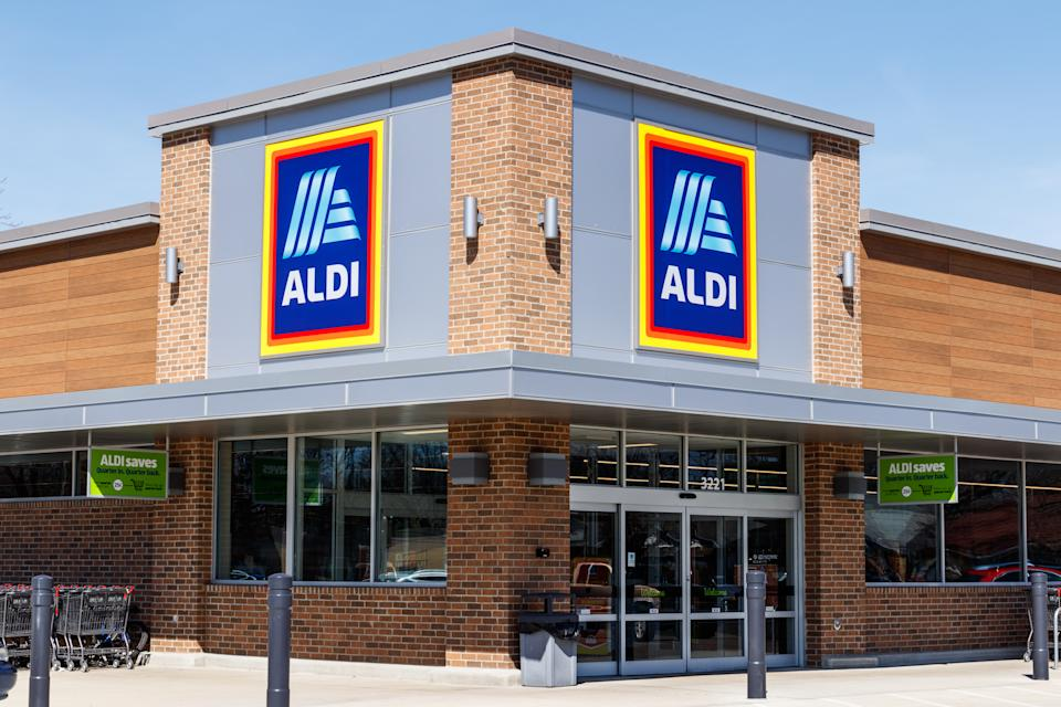 Aldi cashiers have a reputation for speeding people through the checkout. Source: Getty.