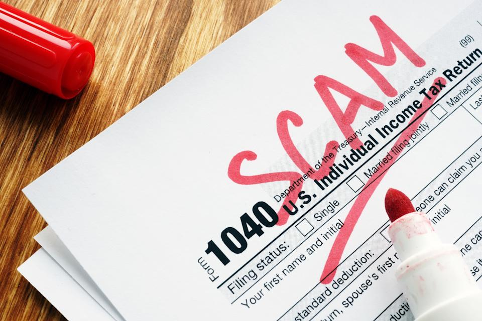 Beware of tax scams. (Photo: Getty)
