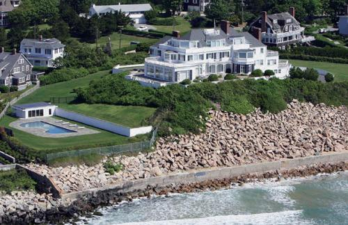 Rhode Island Governor Defends 2nd Home Taylor Swift Tax