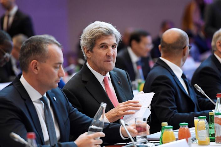 Secretary of State John Kerry attends a Mideast peace conference in Paris, Sunday, Jan. 15, 2017. Fearing a new eruption of violence in the Middle East, more than 70 world diplomats gathered in Paris on Sunday to push for renewed peace talks that would lead to a Palestinian state. (Bertrand Guay/Pool Photo via AP)