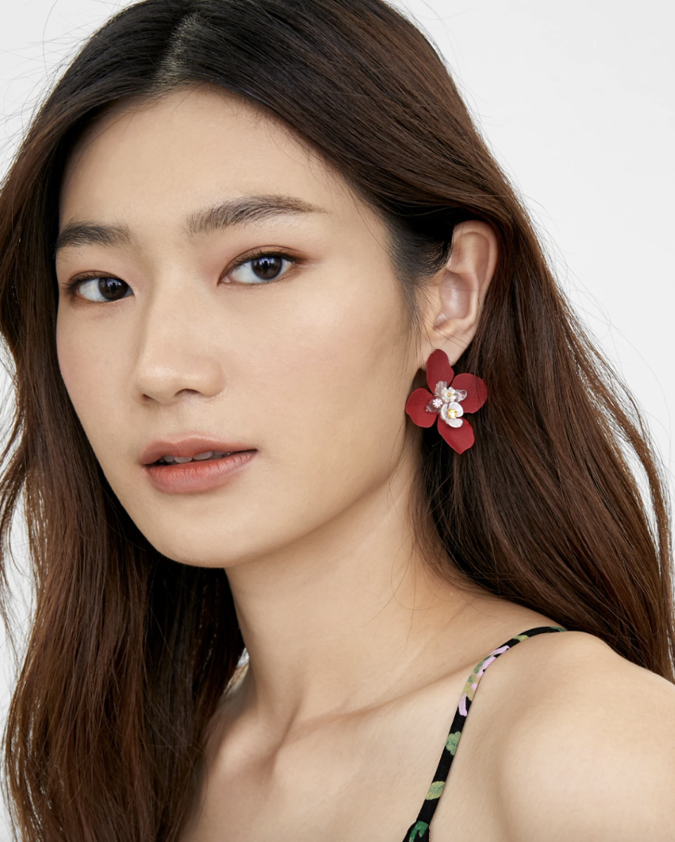 PHOTO: Pomelo. Pomelo Blooming Petal Stud Earrings, Red