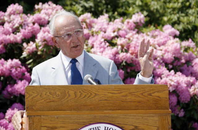 WORCESTER, MA - JUNE 7: Bob Cousy, NBA Legend and alumnus of Holy Cross talks during a ceremony unveiling a statue of Bob Cousy on June 7, 2008 at College of the Holy Cross in Worcester, Massachusetts. (Photo by Joe Murphy/NBAE via Getty Images)