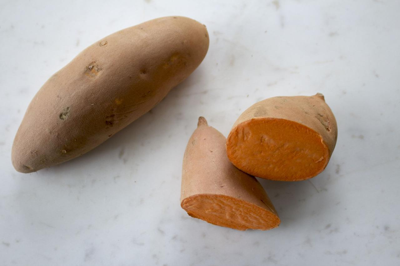 <p>This low glycemic vegetable is rich in one of the most beneficial vitamins for preventing dry skin, vitamin A. The antioxidants found in sweet potatoes also aid in repairing tissue damage as well as preventing premature aging. These are seriously healing! (Photo: Dorit Jaffe) </p>