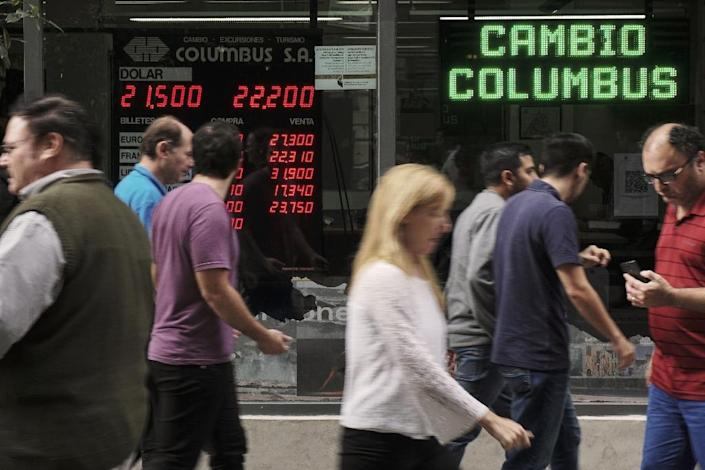 Argentina is turning to the IMF for financing as the peso is buffeted by market turbulence (AFP Photo/EITAN ABRAMOVICH)