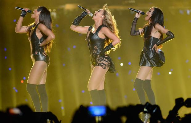 NEW ORLEANS, LA - FEBRUARY 03:  Singers Kelly Rowland, Beyonce and Michelle Williams of Destinys Child perform during the Pepsi Super Bowl XLVII Halftime Show at Mercedes-Benz Superdome on February 3, 2013 in New Orleans, Louisiana.  (Photo by Kevin Mazur/WireImage)