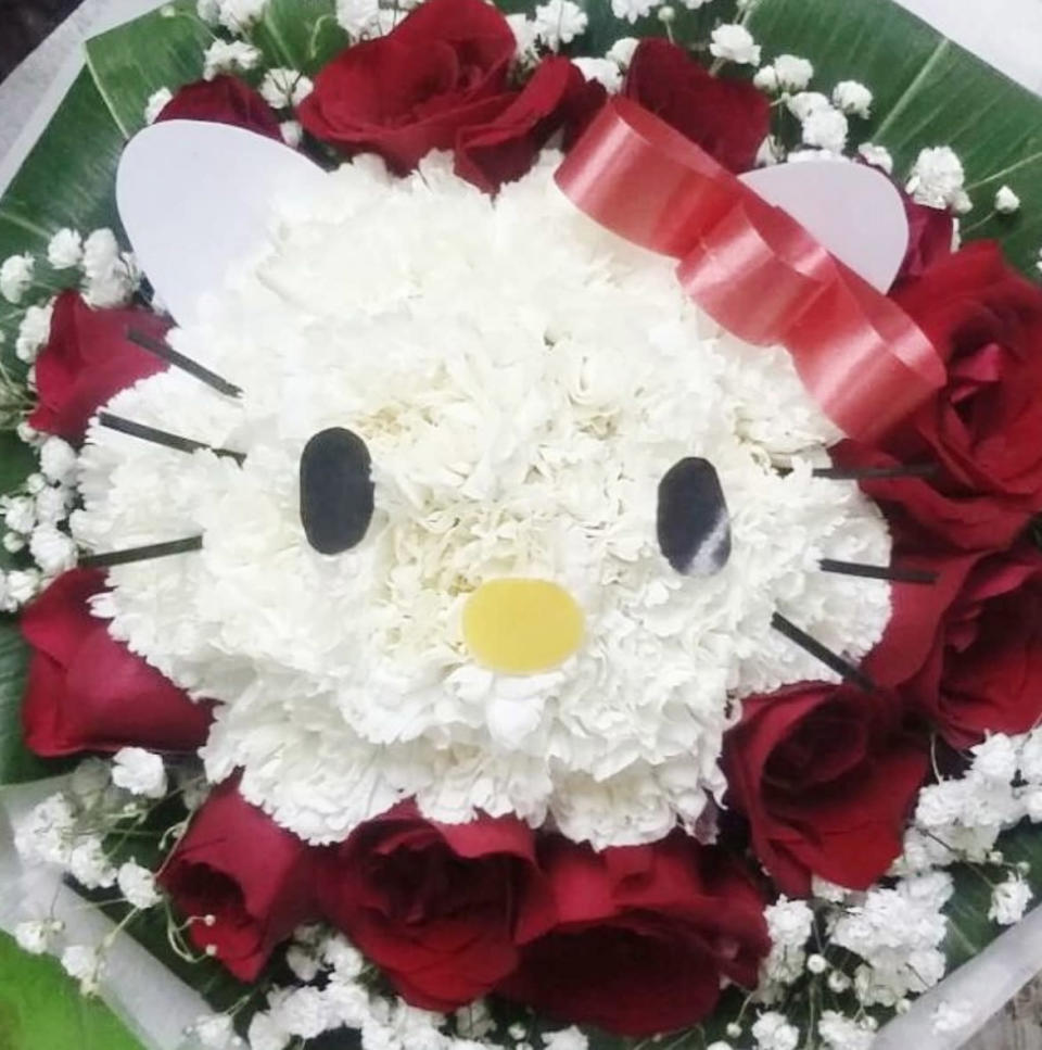 <p>This will never go wrong if your partner's a Hello Kitty fan. Available at 24hrs City Florist. (Photo: @24hrscityflorist/Instagram) </p>