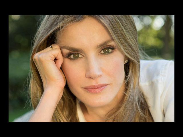 <b>1. Letizia Ortiz Rocasolano</b><br> Letzia rose to the ranks of royalty in the year 2004, when she was married to the prince of Asturias. A journalist by profession, Letzia's father was also a journalist and her mother a nurse.