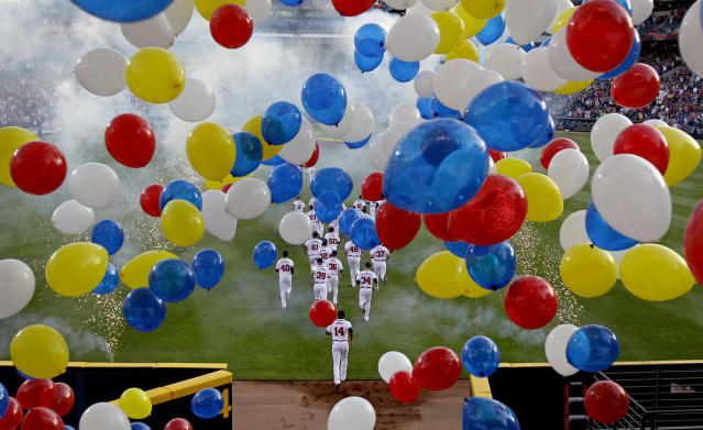 <p>The Atlanta Braves take the field during the team's season home opening baseball game against the Milwaukee Brewers, April 13, 2012, in Atlanta. (AP Photo/David Goldman) </p>
