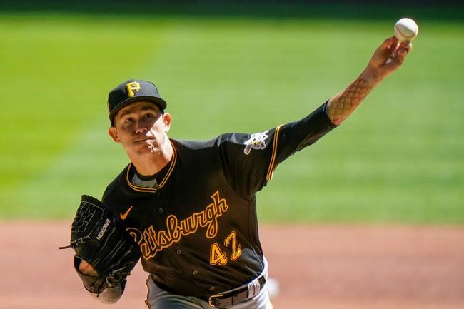 Bell, Polanco homer off Woodruff as Pirates beat Brewers 5-1