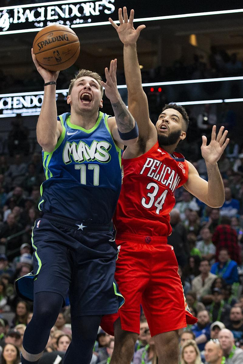 Doncic scores 28 in 26 minutes, Mavs rout Pelicans 130-84