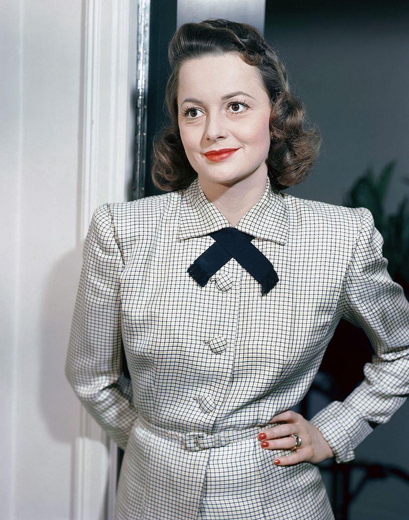 <p>The talented actress smiling for the camera in 1955.</p>