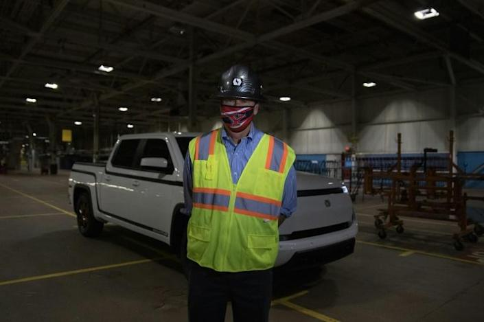 """Steve Burns, CEO of Lordstown Motors, and the company's """"Endurance"""" electric pickup truck in Lordstown, Ohio"""