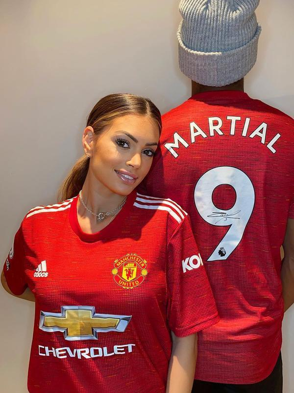 Istri striker Manchester United (MU) Anthony Martial, Melanie Da Cruz. (foto: Instagram @melaniemartialdc)