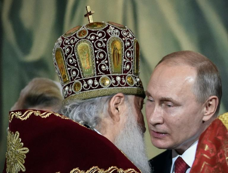 Patriarch Kirill of Moscow, seen here with Russian President Vladimir Putin, has been cautious in its dealings with Orthodox churches in Ukraine since the conflict between Kiev and Russian-backed rebels in eastern Ukraine broke out four years ago