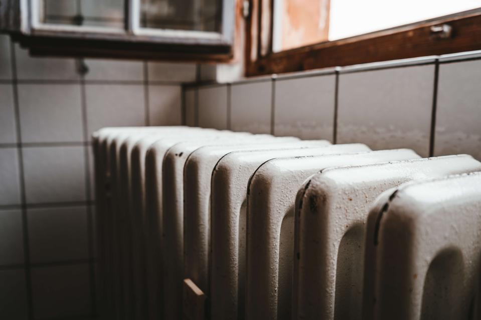 Many Brits may be spending more on heating during the COVID-19 pandemic. (Julian Hochgesang/Unsplash)