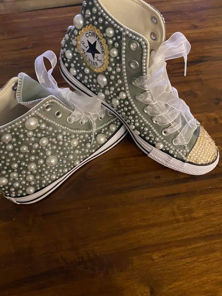 One member shared her Chucks with women in the group. (Photo: Traci Woolfork)