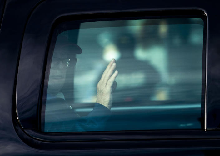 President Donald Trump waves as he arrives at the White House in Washington after visiting Trump National Golf Club in Sterling, Va., Dec. 13, 2020. (Doug Mills/The New York Times)