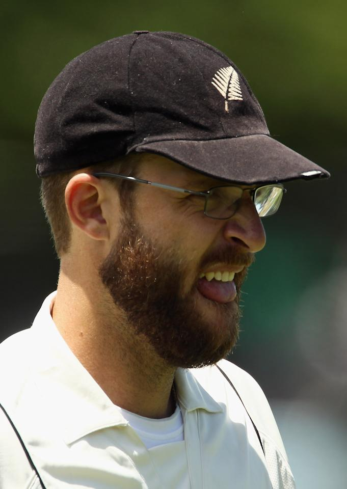 HAMILTON, NEW ZEALAND - JANUARY 09:  Daniel Vettori of the Black Caps walks off for lunch during day three of the First Test match between the New Zealand Black Caps and Pakistan at Seddon Park on January 9, 2011 in Hamilton, New Zealand.  (Photo by Hannah Johnston/Getty Images)