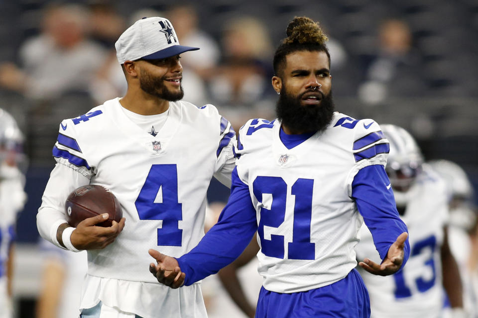 Dak Prescott (4), Ezekiel Elliott and the Cowboys can beat Tampa Bay even if Zack Martin can't play, but it's yet another challenge to overcome in an already difficult opener. (Tim Heitman-USA TODAY Sports)