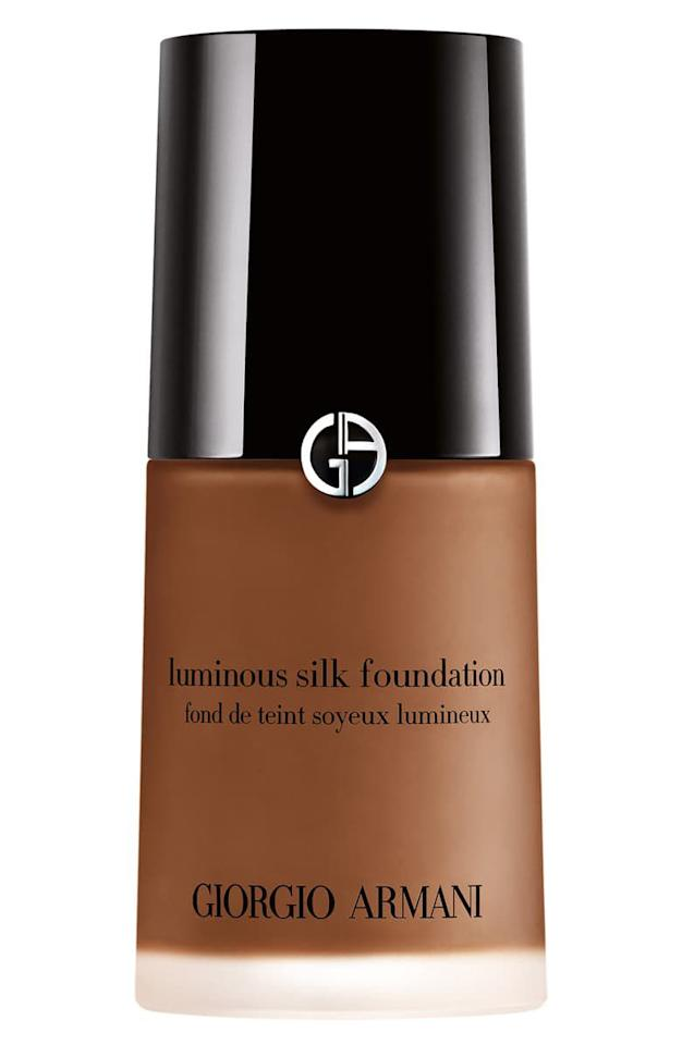 """<p><strong>GIORGIO ARMANI</strong></p><p>nordstrom.com</p><p><strong>$64.00</strong></p><p><a href=""""https://go.redirectingat.com?id=74968X1596630&url=https%3A%2F%2Fshop.nordstrom.com%2Fs%2Fgiorgio-armani-luminous-silk-foundation%2F2853110&sref=http%3A%2F%2Fwww.harpersbazaar.com%2Fbeauty%2Fmakeup%2Fg28362121%2Fbest-foundation-for-mature-skin%2F"""" target=""""_blank"""">Shop Now</a></p><p>This foundation feels lightweight, but don't let that fool you. Apply just a few dots for a wash of coverage like a BB cream, apply a few more for coverage to tackle age and dark spots. No matter how much you pile on, the finish remains hydrating and dewy—exactly what mature skin needs</p>"""