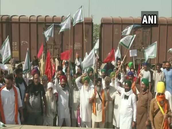 Protest against the farm laws continues in Jalandhar on Thursday. Photo/ANI