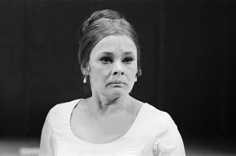 <p>In the role of Hermione, Dench dazzled on stage in Shakespeare's <em>A Winter's Tale </em>at The Royal Shakespeare Theatre, Stratford-upon-Avon, England. <br></p>