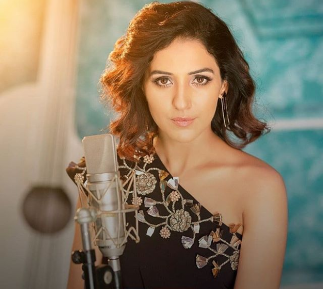 Picture courtesy: Neeti Mohan's official Instagram account