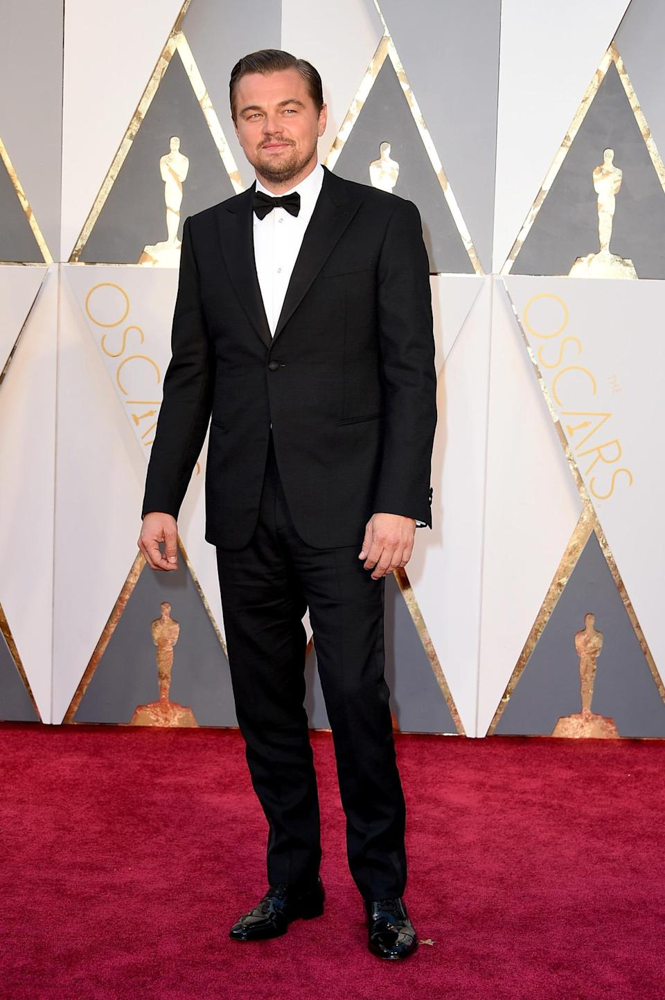 <p>A big night for Leonardo DiCaprio, he didn't really dress like a winner (see: Kevin Hart). But maybe sticking with a classic black tuxedo, something he's comfortable in, was a way for him to calm his nerves. <i><i>(Photo: Getty Images)</i></i></p>
