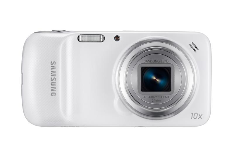 The super-sensitive 16-megapixel BSI (back side–illuminated) sensor allows you to zoom 10x and still take clear shots. (Saumsung photo)