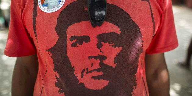 T-shirts, briquets, tasses... A qui profite le marketing de Che Guevara?