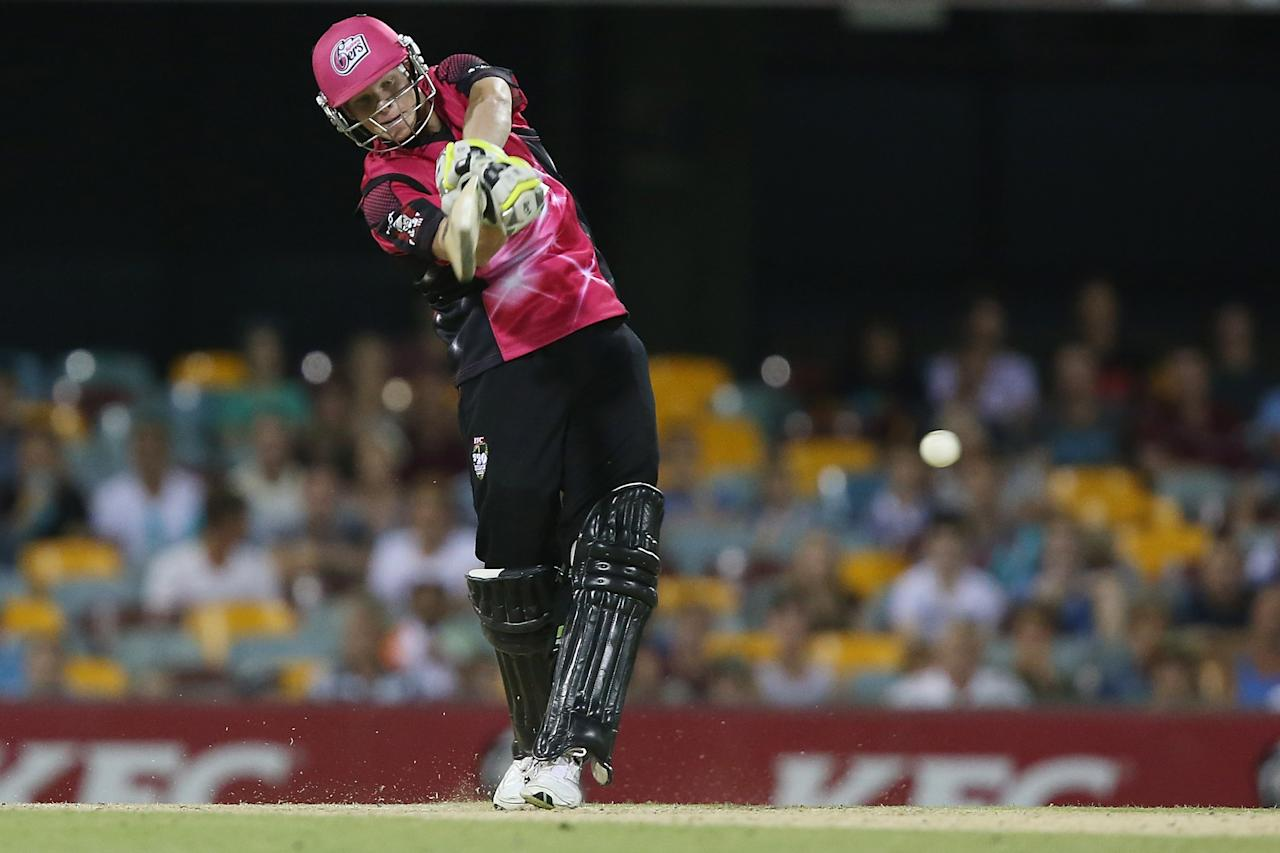 BRISBANE, AUSTRALIA - JANUARY 07:  Steven Smith of the Sixers bats during the Big Bash League match between the Brisbane Heat and the Sydney Sixers at The Gabba on January 7, 2013 in Brisbane, Australia.  (Photo by Chris Hyde/Getty Images)