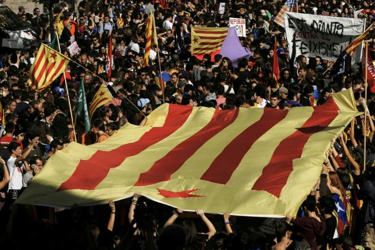 Spanish sovereign, bank CDS prices rise after Catalonia independence call