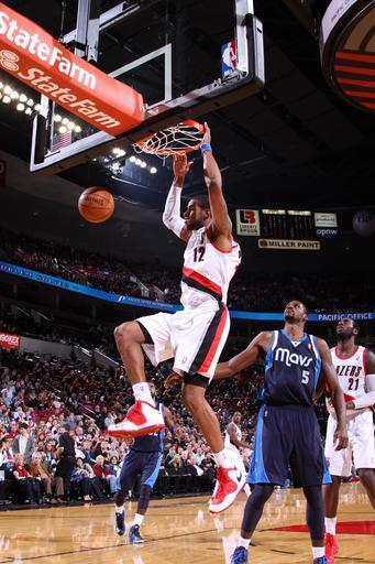 PORTLAND, OR - JANUARY 29: LaMarcus Aldridge #12 of the Portland Trail Blazers dunks the ball during the game between the Dallas Mavericks and the Portland Trail Blazers on January 29, 2013 at the Rose Garden Arena in Portland, Oregon. (Photo by Sam Forencich/NBAE via Getty Images)