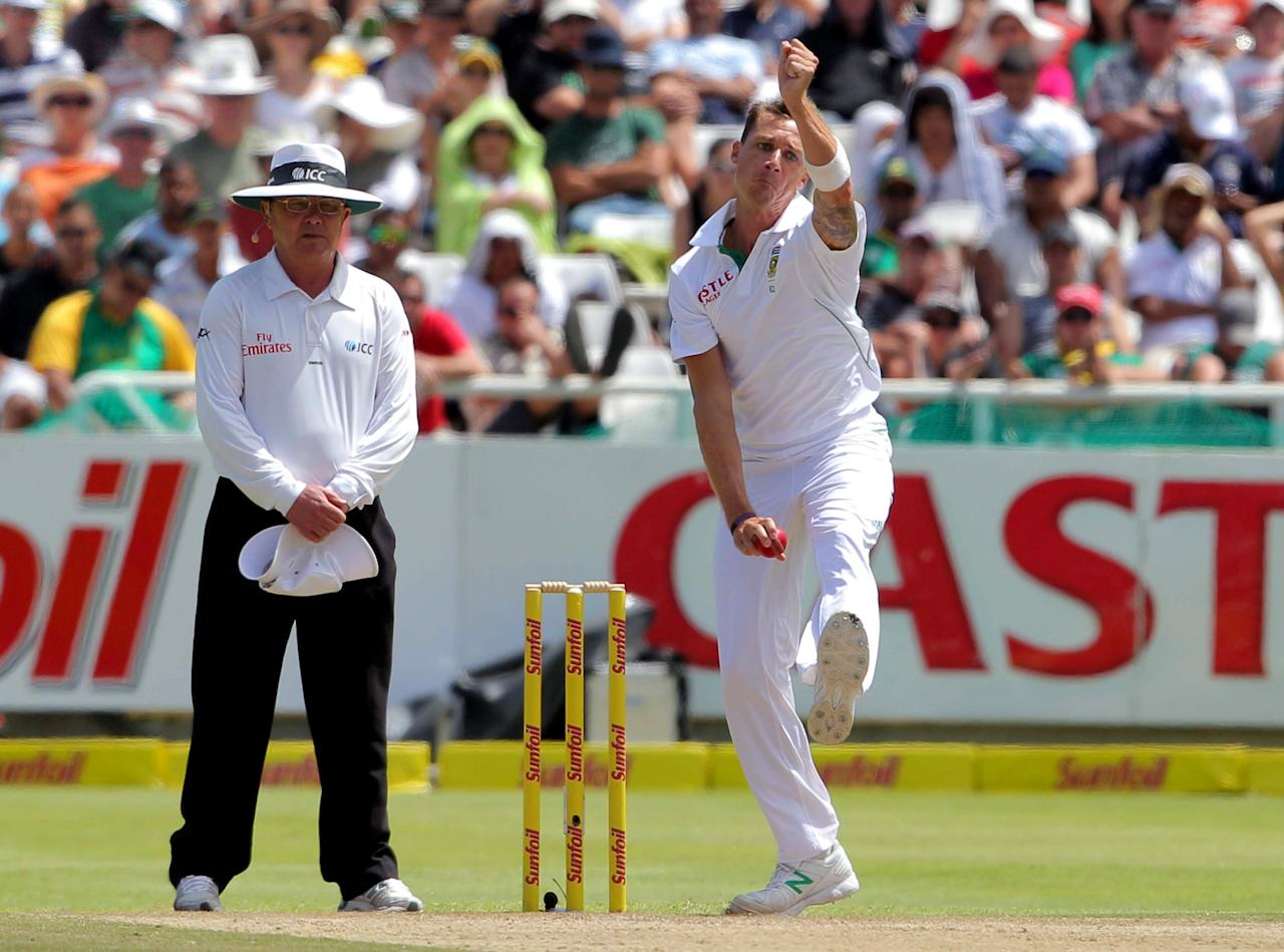 CAPE TOWN, SOUTH AFRICA - JANUARY 03:  Dale Steyn of South Africa bowls during day 2 of the 1st Test between South Africa and New Zealand at Sahara Park Newlands on January 03, 2013 in Cape Town, South Africa.  (Photo by Carl Fourie/Gallo Images/Getty Images)