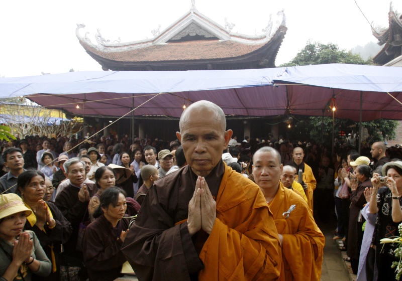 Buddhist monk Thich Nhat Hanh (Nguyen Huy Kham / Reuters)