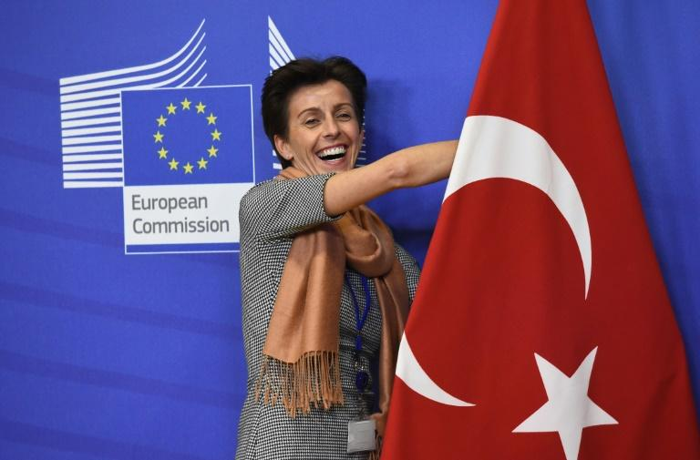 European Union expects Turkey to implement migrant accord