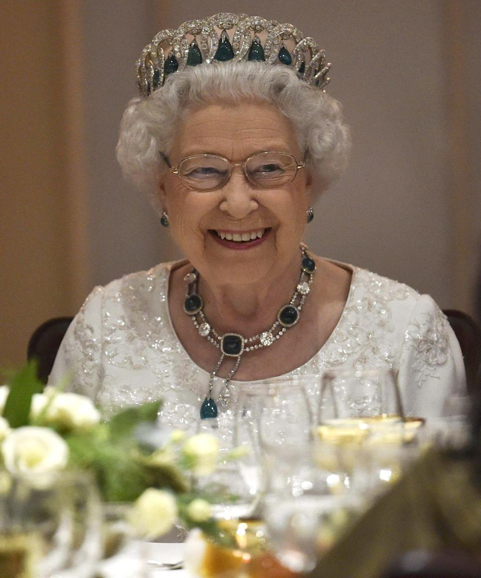 <p>They may sound delicious, but the Queen has a strict ban on the following foods for dinner side dishes. Bummer, we know.</p>
