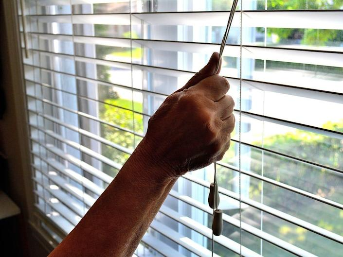 blinds window string
