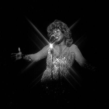 Aretha Franklin performs on the opening night of a run of shows at the Aladdin in Las Vegas, Nevada, June 21, 1978. Lee McDonald/Las Vegas News Bureau/Handout via REUTERS