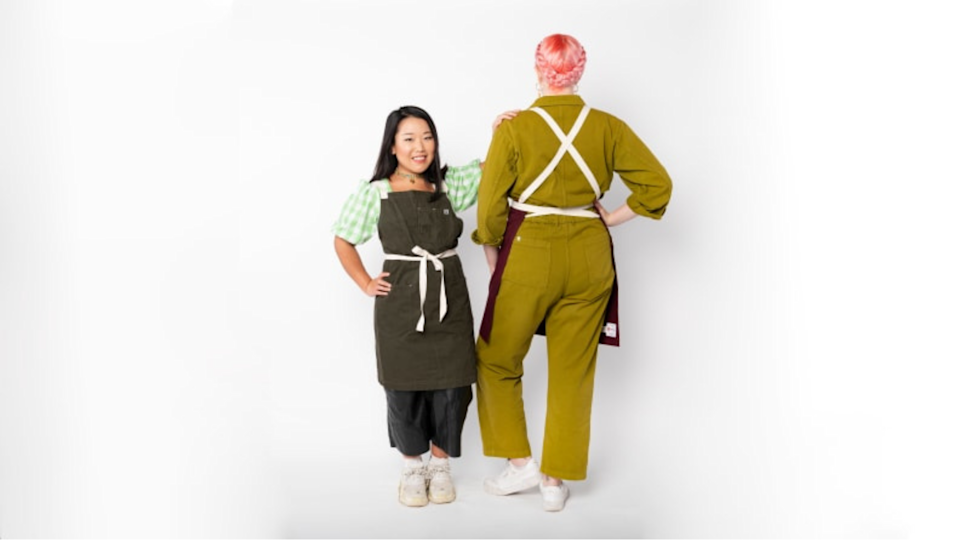 Gifts for bakers: Hedley & Bennett Crossback Apron