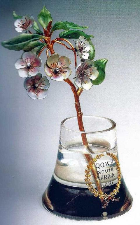 The Faberge flower, which is valued at £1m - Credit: The Queen's Own Warwickshire and Worcestershire Charitable Trust
