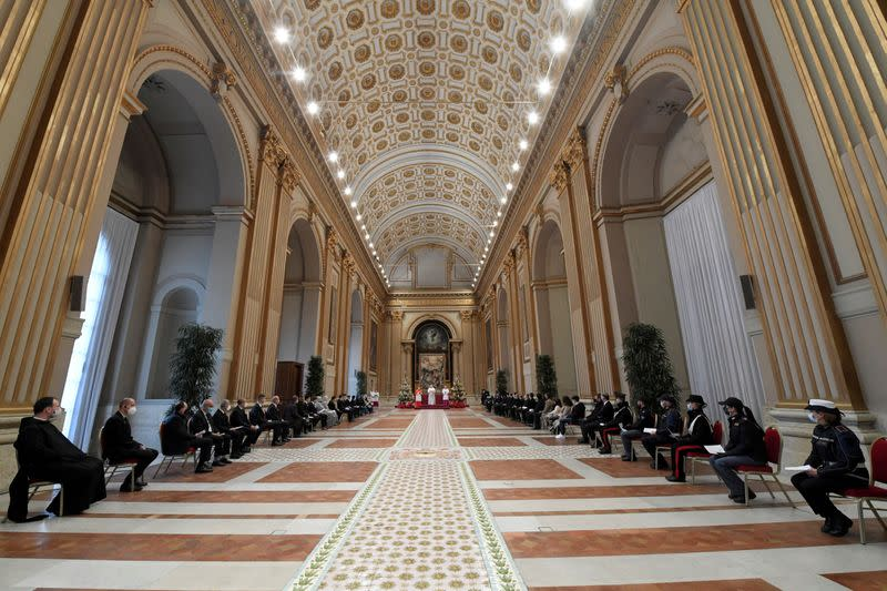 FILE PHOTO: Pope Francis delivers his traditional Christmas Day Urbi et Orbi speech at the Vatican