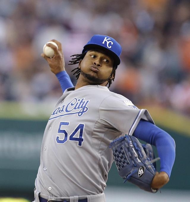Kansas City Royals starting pitcher Ervin Santana throws during the first inning of a baseball game against the Detroit Tigers, Saturday, Sept. 14, 2013, in Detroit. (AP Photo/Carlos Osorio)