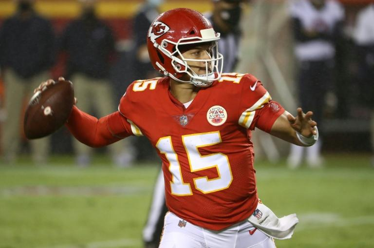 Mahomes stars as Chiefs sink Texans in NFL opener