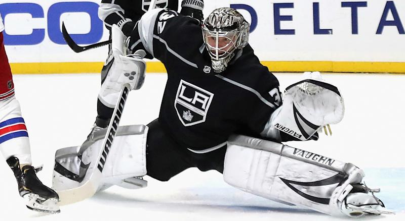 LOS ANGELES, CALIFORNIA - DECEMBER 10: Jonathan Quick #32 of the Los Angeles Kings prepares for a third period shot form Artemi Panarin #10 of the New York Rangers at the Staples Center on December 10, 2019 in Los Angeles, California. The Kings defeated the Rangers 3-1. (Photo by Bruce Bennett/Getty Images)
