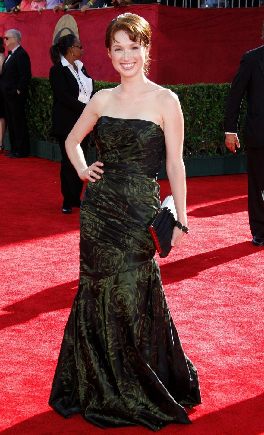 <p>Kemper wore this green, rose-patterned gown to the Emmy Awards in 2009. </p>