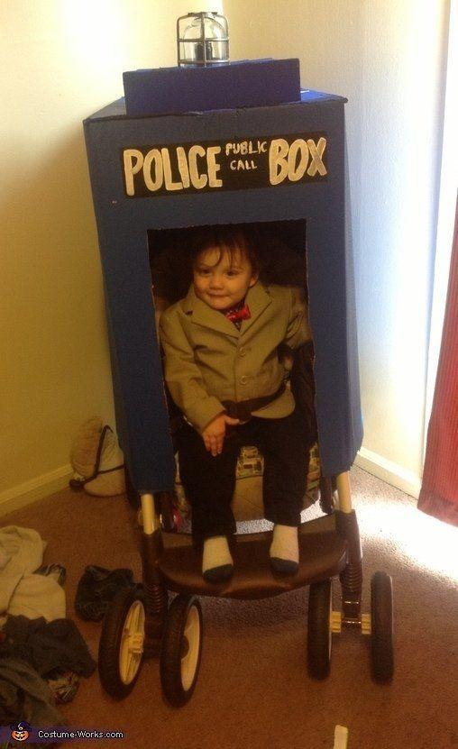 """<a href=""""http://www.costume-works.com/costumes_for_babies/doctor_who.html"""" target=""""_blank"""">vía Costume Works </a>"""