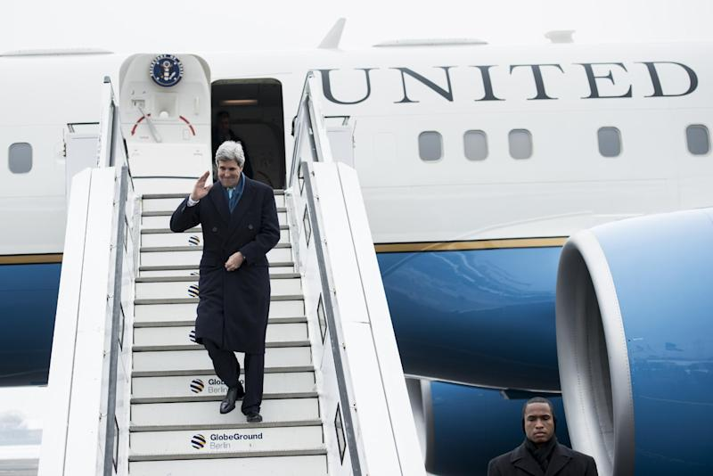 United States' Secretary Of State John Kerry arrives at the Tegel airport in Berlin, Germany, Friday, Jan. 31, 2014. Kerry will meet with Foreign Minister Frank-Walter Steinmeier and Chancellor Angela Merkel prior to his trip to Munich for the Security Conference. (AP Photo/Brendan Smialowski, Pool)